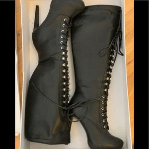 Knee High Laced Platform Boots Sz 6.5